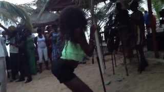 getlinkyoutube.com-Danse à la plage de Mbour Sénégal