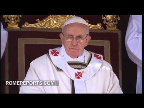 Pope Francis receives Fisherman's ring and Papal pallium