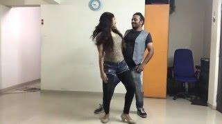 Romantic couple dance on Dheere Dheere Se by Yo Yo Honey Singh