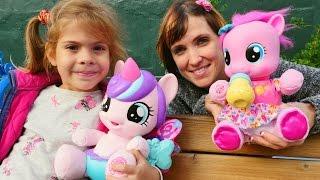 getlinkyoutube.com-#ЛитлПони. Видео для девочек с игрушками пони - игры Дружба это чудо с Машей Капуки Кануки и Элис.
