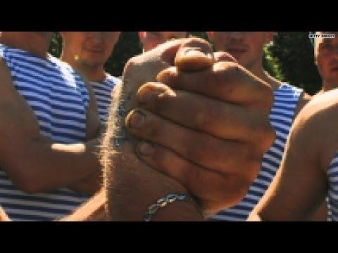 Vinne vs. Lynn: Epic Arm Wrestling Challenge