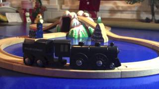getlinkyoutube.com-The Brio Polar Express Trains - A Wooden Railway & Battery Powered Train Toy Review!