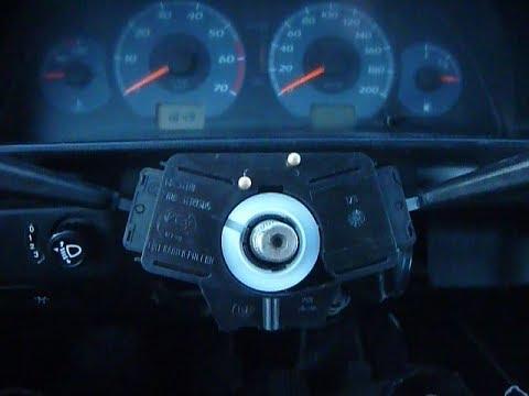 """""""Ода""""Иж-2126 снятие рулевого колеса,замена соединителя подрулевых переключателей."""