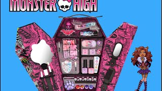 getlinkyoutube.com-Monster High Creeperific Coffin Beauty Locker over 60 Items!