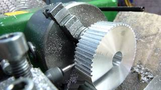 getlinkyoutube.com-Как сделать зубчатый шкив на токарном станке / How to make a toothed pulley on the lathe
