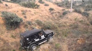 getlinkyoutube.com-Trax Gurkha 4x4 tries the second obstacle