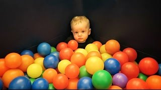 getlinkyoutube.com-Baby Ball Pit