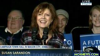 getlinkyoutube.com-Susan Sarandon Introduces Bernie Sanders At Music Man Square Rally In Mason City Iowa