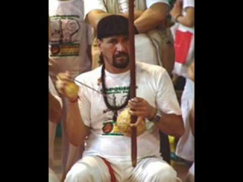 Na Beira Do Mar de Mestre Toni Vargas Letra y Video