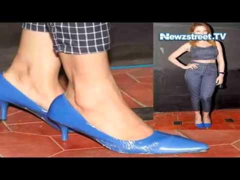 TV actor Munmun Dutta spotted in broken heels