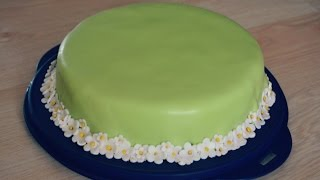 getlinkyoutube.com-Backvideo Fondant Torte Erdbeer Yogurette Füllung