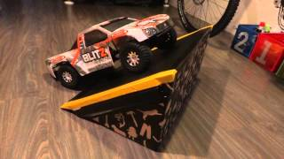 getlinkyoutube.com-Cardboard Ramp | RC Car