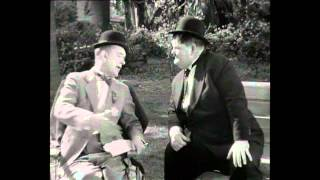 getlinkyoutube.com-Laurel and Hardy: Why didn't you tell me you had 2 legs