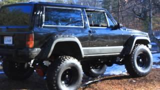 getlinkyoutube.com-Lifted Jeep Cherokee XJ with 350