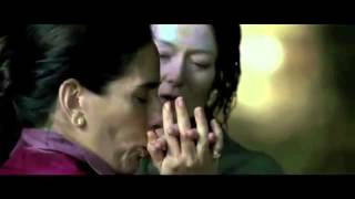 Flores Raras veja cena do primeiro beijo e primeira noite de amor entre Lota e Elizabeth Bishop