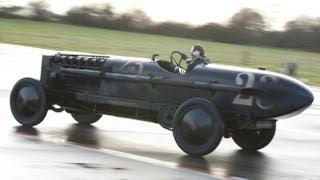 getlinkyoutube.com-Jeremy Clarkson vs 'The Brutus' Bomber BMW (TOP GEAR)
