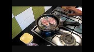 getlinkyoutube.com-Meen Puttu(மீன் புட்டு)Sivakasi Samayal/ Recipe - 22