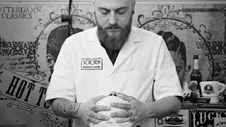 getlinkyoutube.com-Schorem Haarsnijder En Barbier at the Tattoo Ink Explosion 5