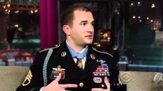 getlinkyoutube.com-Staff Sgt. Salvatore Giunta on David Letterman (2010.11.24) 5