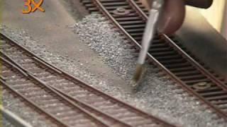 getlinkyoutube.com-Gleise einschottern für die Modellbahn