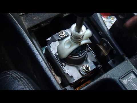 Замена кулисы 5 ст. МКПП  Audi 100 (45)