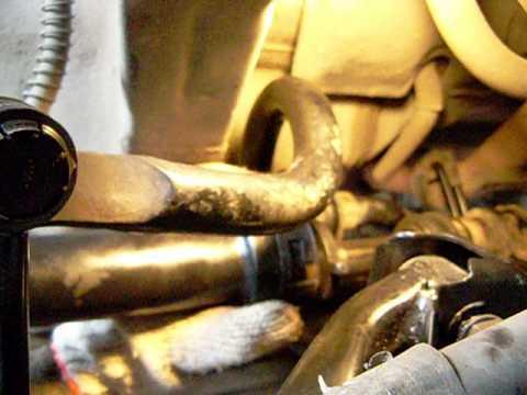 Как открутить на иномарке рулевую шарнирную тягу, без снятия рулевой рейки?
