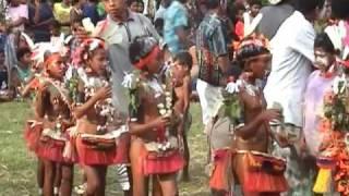 getlinkyoutube.com-Trobriand Islands Dance (1)