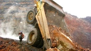 getlinkyoutube.com-Heavy machinery accidents, mishaps and other interesting mining photos