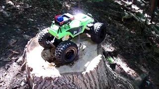 getlinkyoutube.com-Maisto Rock Crawler 3XL Unboxing and Trail Run