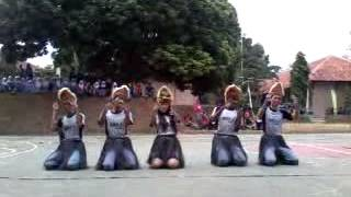 getlinkyoutube.com-Tari Tradisional ampar ampar pisang dari kelas 12 IPA 3 AssassinS SMA Negeri 1 Bandar kab.Batang