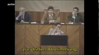 getlinkyoutube.com-Lachanfall im andalusischen Parlament (1994)