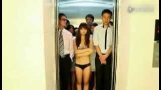 getlinkyoutube.com-Video Lucu Cewek Cantik Naik Lift