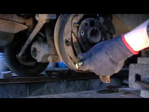 Как заменить трос ручника ВАЗ классика (2101-2107)