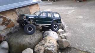 getlinkyoutube.com-RC Jeep Cherokee rock crawler Cz