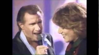 getlinkyoutube.com-Bill Medley and Jennifer Warnes.  The Time Of My Life