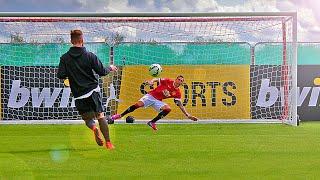 getlinkyoutube.com-Man Utd vs freekickerz - Penalty Challenge