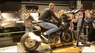 getlinkyoutube.com-326BHP Kawasaki H2R spits flames on Dyno @ Motorbeurs Utrecht HD 1080