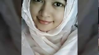 Cewek Cantik Berhijab ( Bokep )