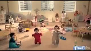 getlinkyoutube.com-Baby  Werbung kit kat♡
