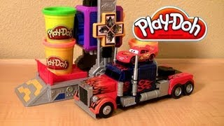 getlinkyoutube.com-Play Doh Transformers Autobot Workshop Playset Transform Lightning McQueen in Autobots Disney Cars