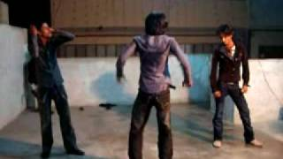 getlinkyoutube.com-bilal group dance on le le maza le