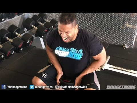 Loving The Sumo Squats @Hodgetwins