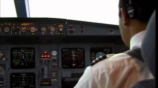 getlinkyoutube.com-Procedimientos en cabina y aproximacion final ILS Lan Chile 705 Madrid-Santiago A340-200