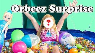 getlinkyoutube.com-ORBEEZ FROZEN Disney Frozen World's Largest Orbeez Party Surprise Egg Video