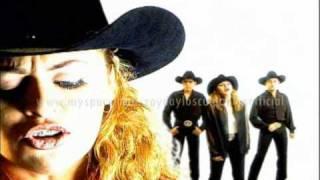 getlinkyoutube.com-Zayda y Los Culpables ( Video Amor Ilegal )