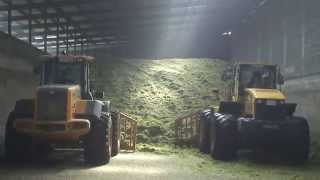 getlinkyoutube.com-Pat Cronin and Sons, Putting Up Silage 2014