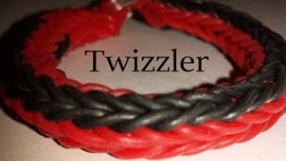 getlinkyoutube.com-Twizzler Rainbowloom Bracelet on a  Fork ADVANCED