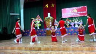 getlinkyoutube.com-Múa ''Niềm vui theo em đến trường''