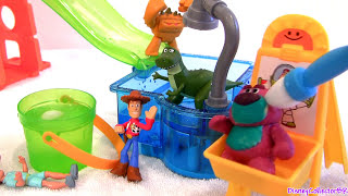 getlinkyoutube.com-Cars Color Changers in Toy Story Slide n Surprise Playground Color Splash Buddies Disney Pixar