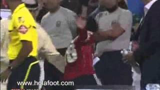 إبراهيموفيتش يتشاجر مع مدرب الأهلي